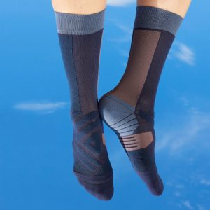 Small JPEG-FB TW Social Post 1200x1200 KV FW18 High Socks W NavyGrape